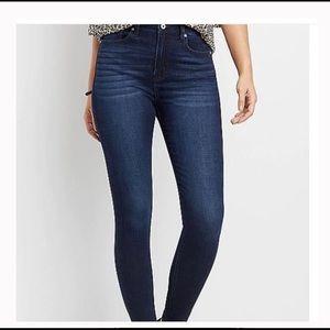 Kancan Estilo Skinny Jeans Size 28
